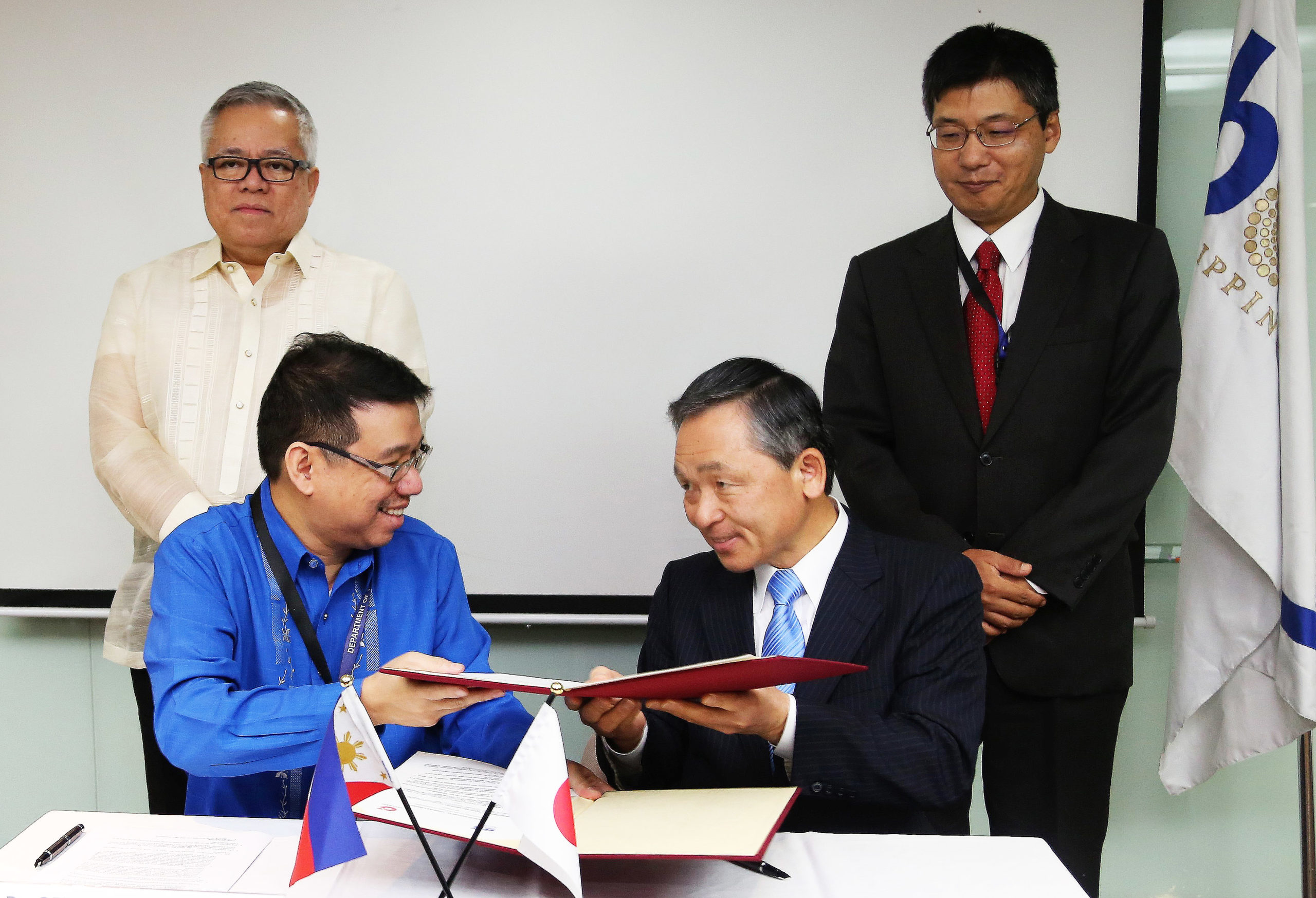 Philippine Board of Investments Oita Bank (Japan) agree on Investments Promotion