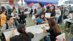New law waives gov't documentary fees for first-time jobseekers