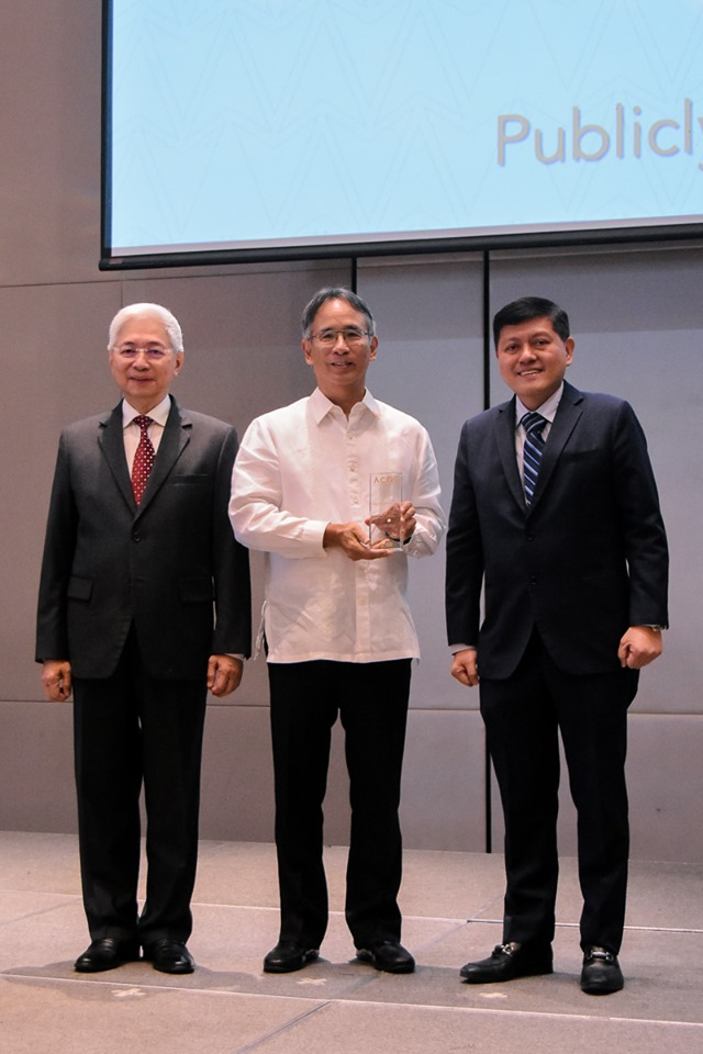FEU recognized for corporate governance, student services