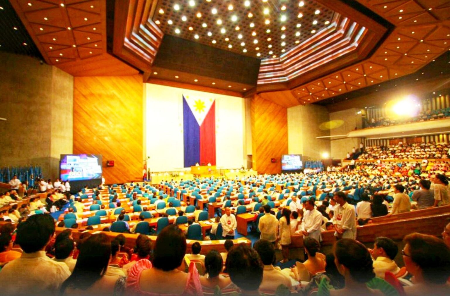 Lawmaker urges colleagues to prioritize Bayanihan 3 when Congress resumes session